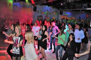 Festa con balli di gruppo Roma