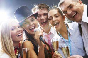 Idee giochi originali e creativi per una festa di compleanno adulti